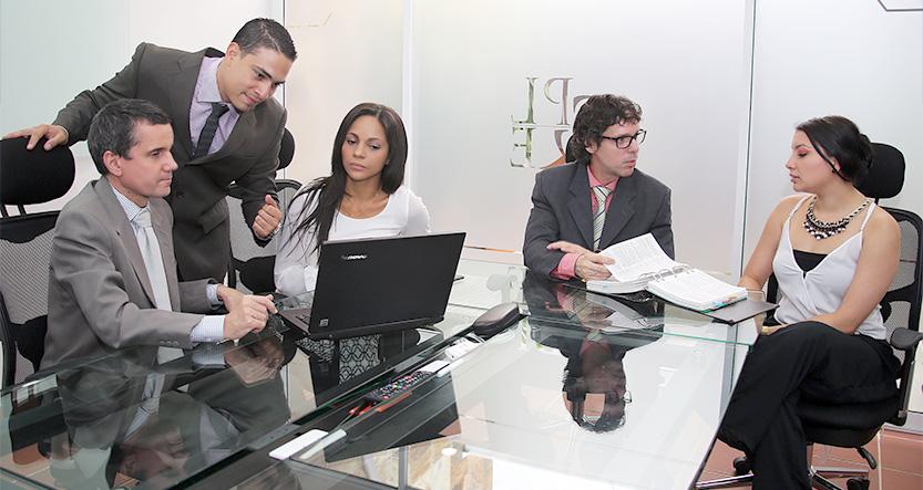 Protección legal y empresarial