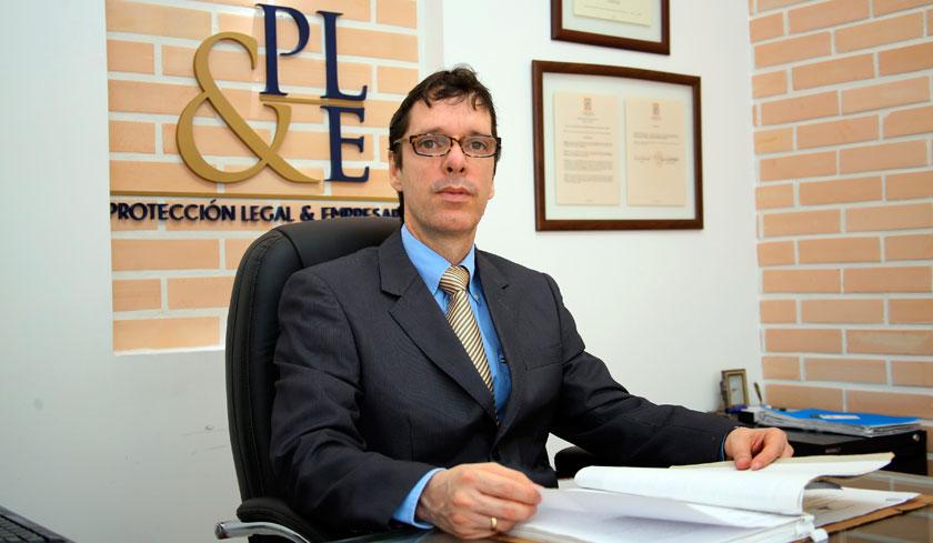Abogado Esmir Osorio Oficina