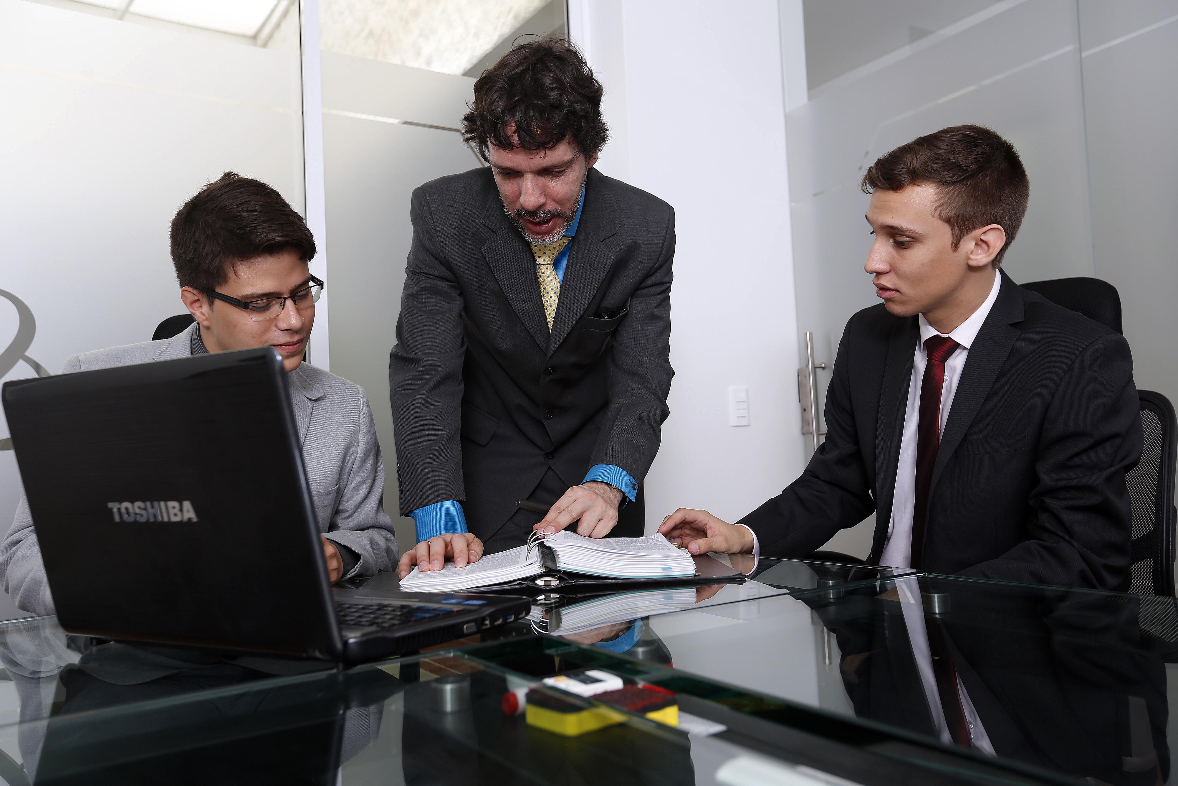 Servicios Legales - Protección Legal y Empresarial